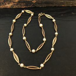 "14 kt. guld collie ""bur & perle"" hos Guldsmedien Køge."